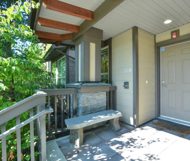320 E 14th Street, Central Lonsdale, North Vancouver 2