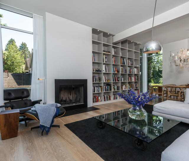 992 16th Street, Ambleside, West Vancouver